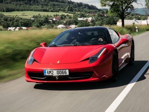 Zážitková jízda ve Ferrari
