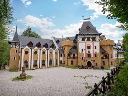 Královská romantika na zámku – 7×noc v deluxe pokoji s polopenzí a neomezeným wellness